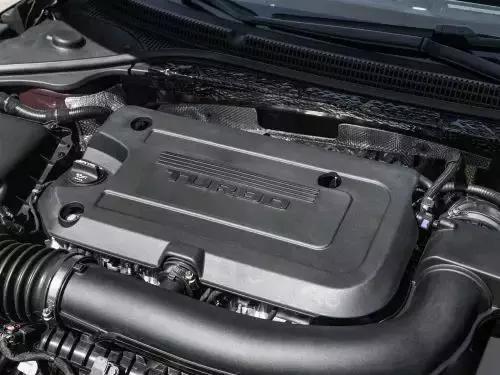试驾别克君越Avenir 搭2.0T可变缸发动机,性能不输宝马5系?