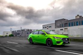 8.78万元起售,搭181匹发动机,你会选择绿色的名爵6吗?