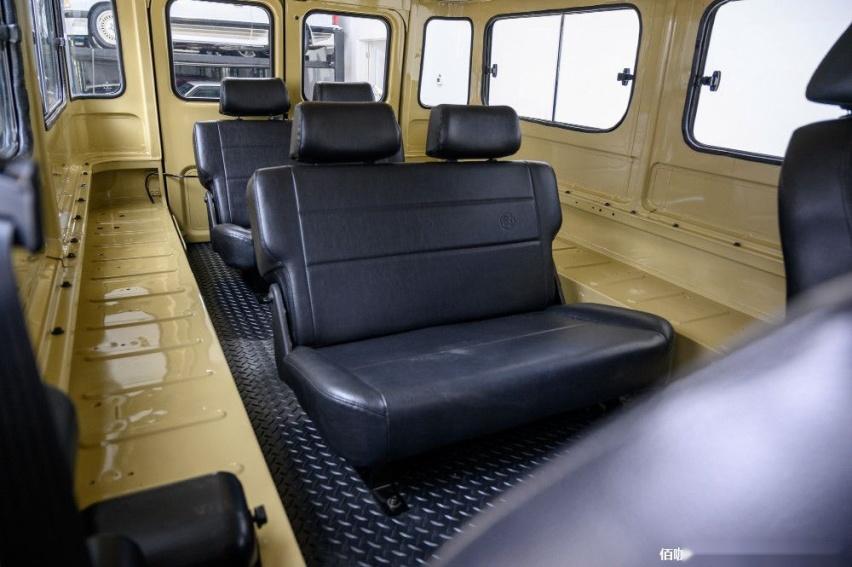 1980-toyota-land-cruiser-hj45-packs-modern-features-costs-more-than-a-lexus_8.jpg