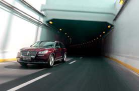 豪华SUV就选它,车长4米6,全系2.0T动力比BBA划算