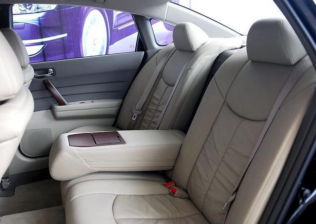 4万块买台二手车,标配V6发动机,舒适性不输奥迪A6,日产天籁!