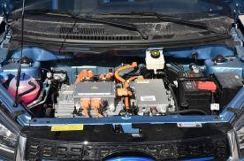 锂电池这么普及,为什么燃油车却偏偏不用?原来里面有这么多学问