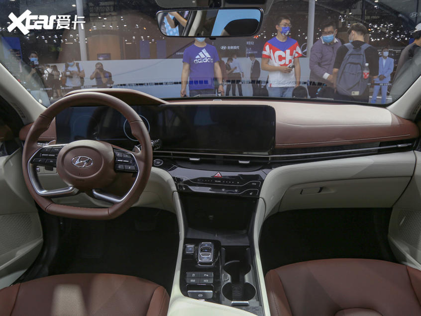 北京现代2021款名图