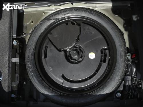 2021款 凯迪拉克XT6 28T 七座四驱风尚型