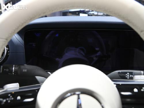 2021款 奔驰E级新能源 E 350 e L 插电式混合动力轿车