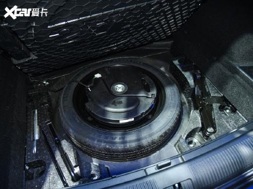 2021款 荣威RX5 MAX Supreme系列 400TGI 自动智能座舱尊荣版