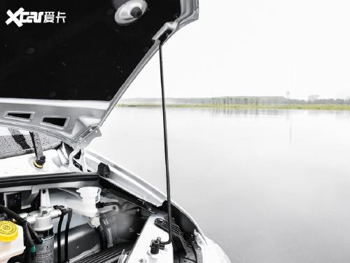 2021款 御风 2.3T V9前驱物流车长轴高顶7座国VI M9T-601