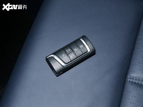 2021款 传祺M8 领秀系列 390T 至尊版
