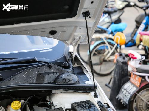 2017款 宝骏310W 1.5L 手动时尚型 国VI