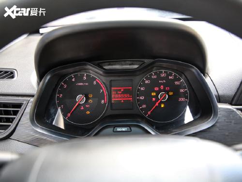 2020款 宝骏310 1.2L 手动舒适型