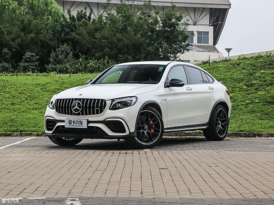 奔驰GLC AMG轿跑SUV66.38万价格稳定