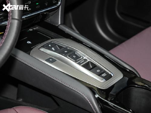 2021款 东风本田M-NV 尚逸版