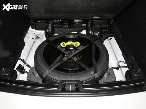 2021款 沃尔沃XC60 T5 四驱智逸豪华版