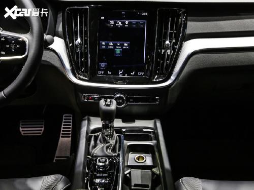 2021款 沃尔沃S60 T4 智远运动版