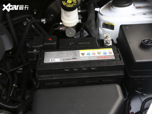 2021款 SWM斯威G05 PRO 2.0L 手动精英型 7座