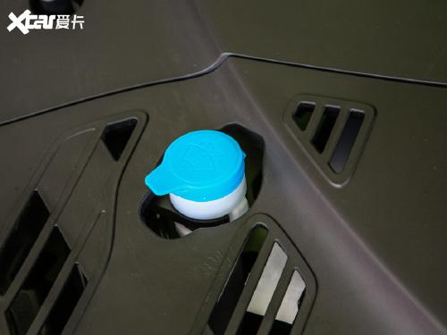 2021款 小鹏汽车P7 四驱高性能鹏翼版