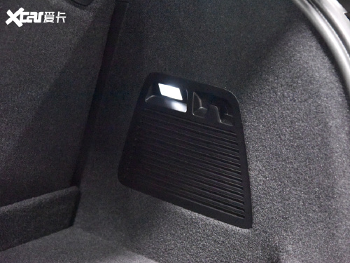 2021款 高合HiPhi X 创始版6座