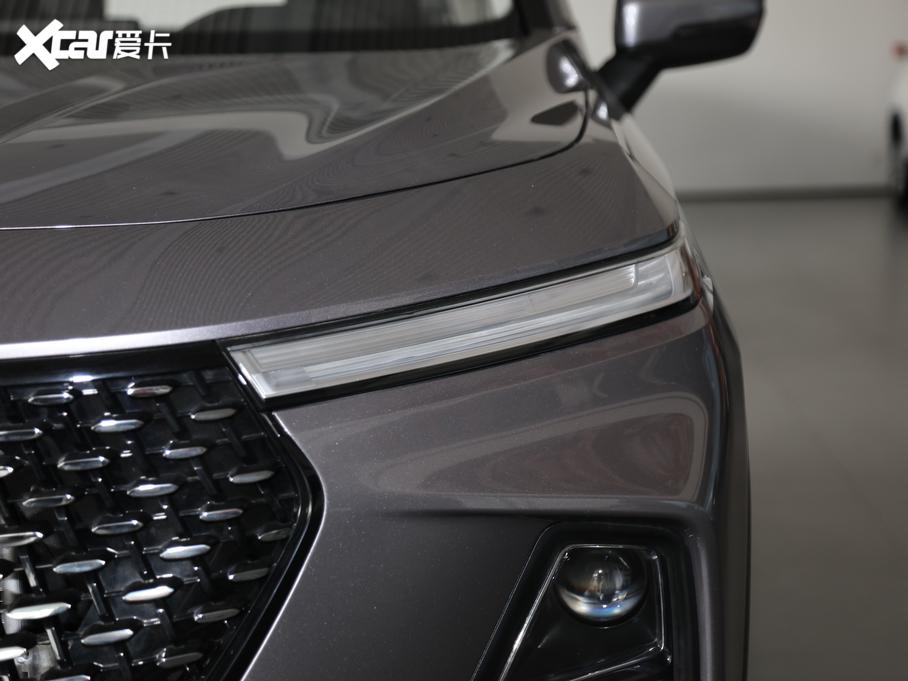 新宝骏RS-5