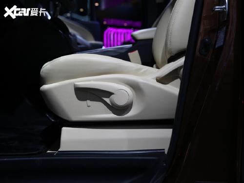 2021款 瑞风L6 MAX 2.0T 自动旗舰型