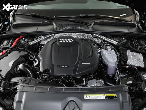2020款 奥迪A4L 45 TFSI quattro 臻选动感型