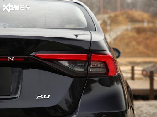 2021款 亚洲狮 2.0L 旗舰版