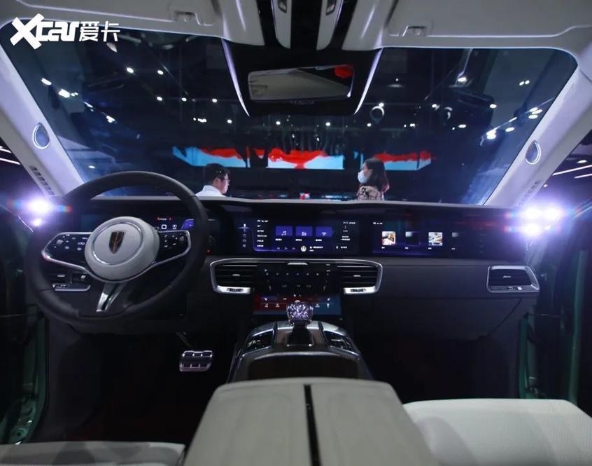 红旗E-HS9内饰曝光 定位纯电动大型SUV