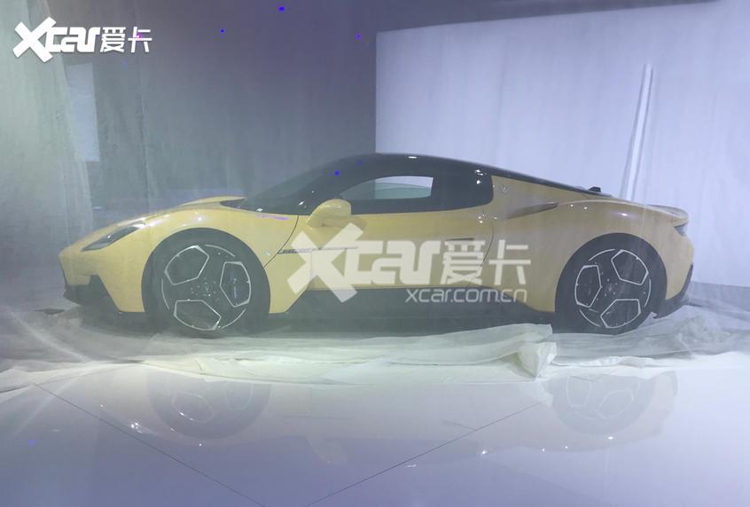 广州车展探馆:玛莎拉蒂MC20绝尘黄版