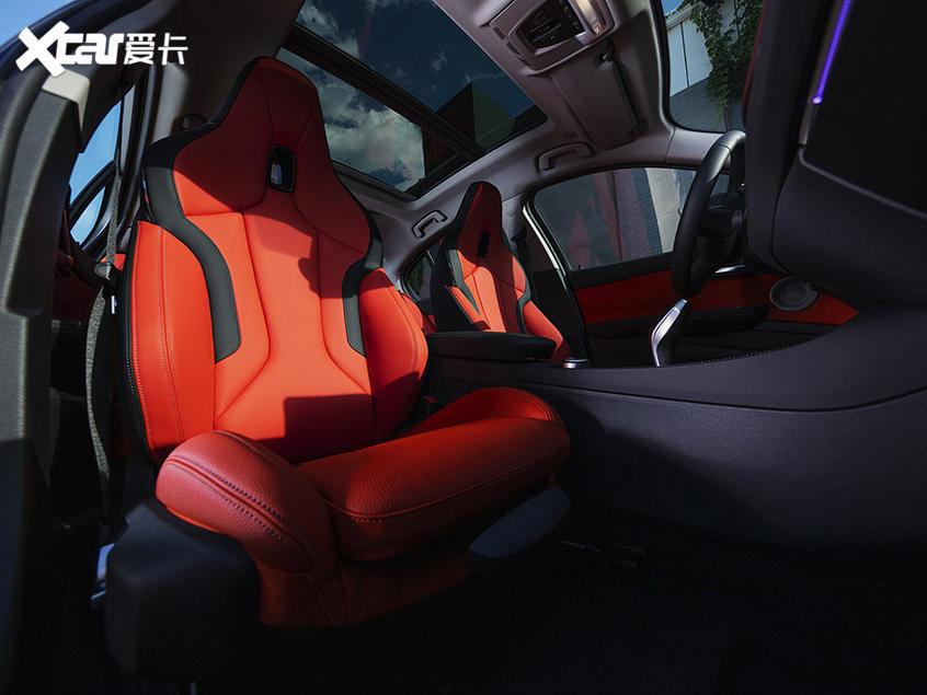 宝马1系运动轿车上市 20.38-24.68万元
