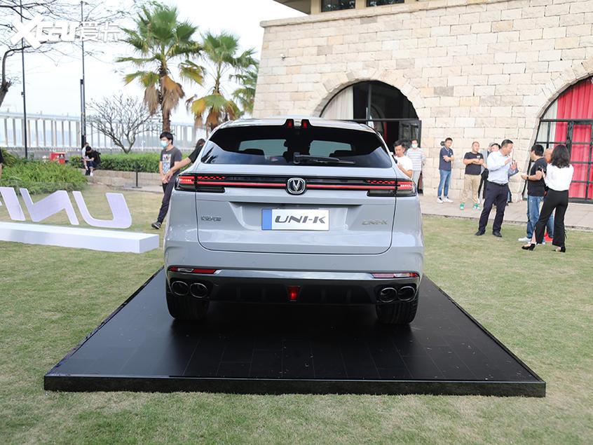 长安UNI-K首发亮相 中型SUV/家族式设计