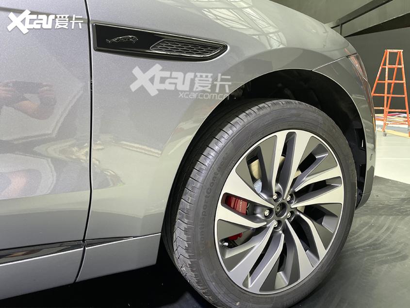 广州车展探馆:新款捷豹F-PACE实拍图