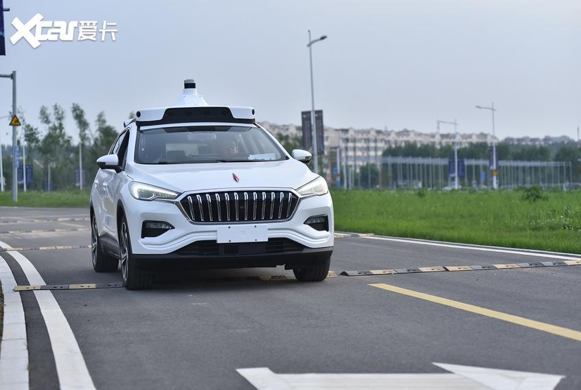 百度获得北京市首批无人化路测通知书
